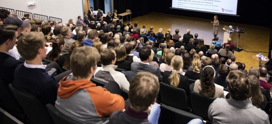 Föreläsning med åhörare, publik med människor